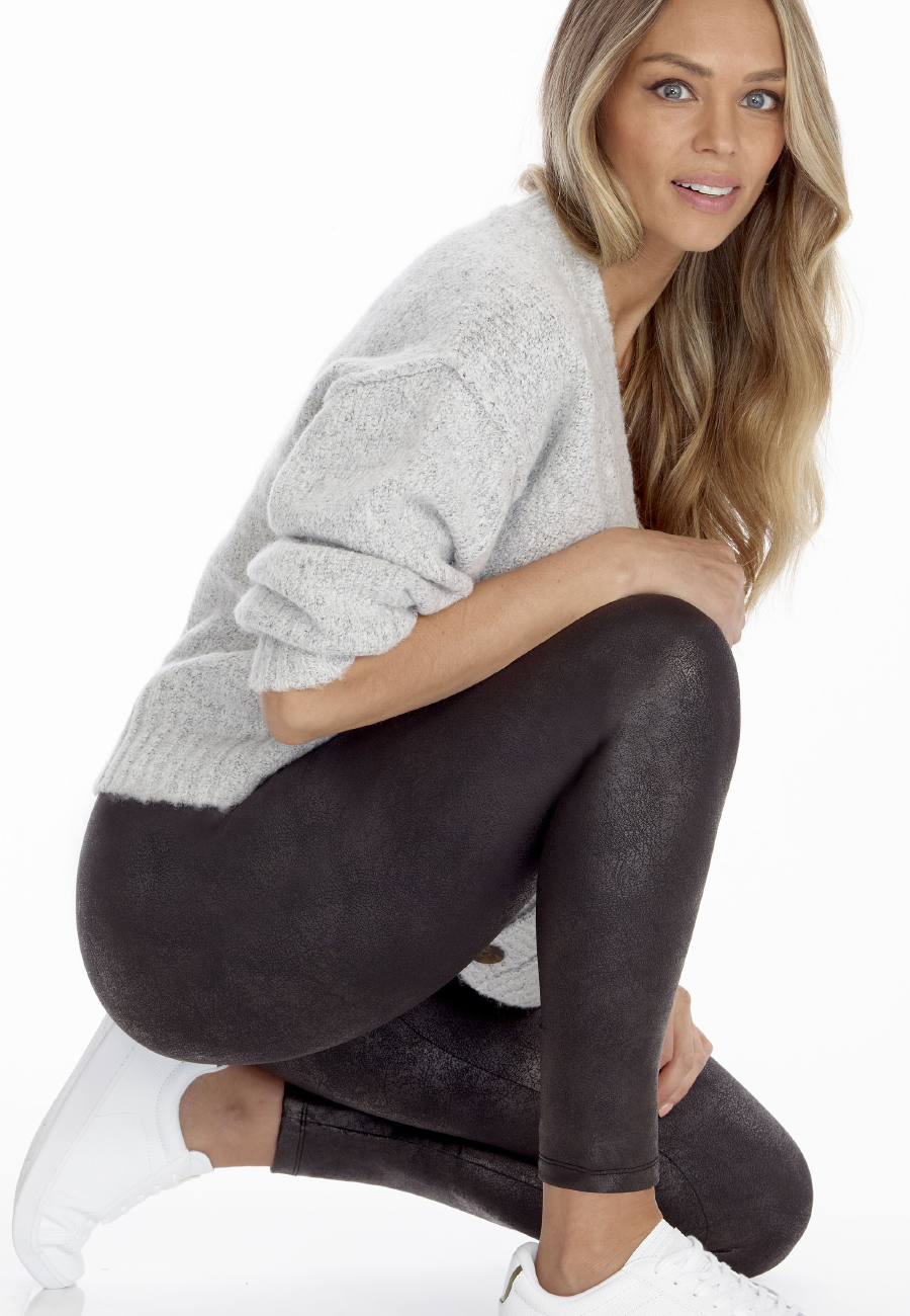 Secret_Leggings_Vintage_Crouched_FW20